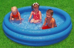 Préparer le terrain pour sa piscine gonflable